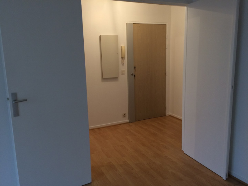 Location appartement Courbevoie 1 650€cc - Photo 3