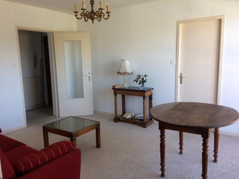 Sale apartment Les sables d olonne 131000€ - Picture 2