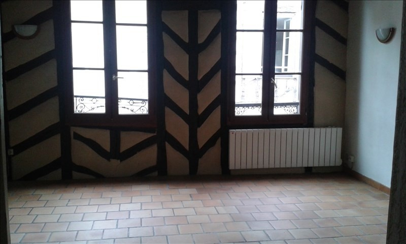 Rental apartment Auxerre 300€ CC - Picture 2