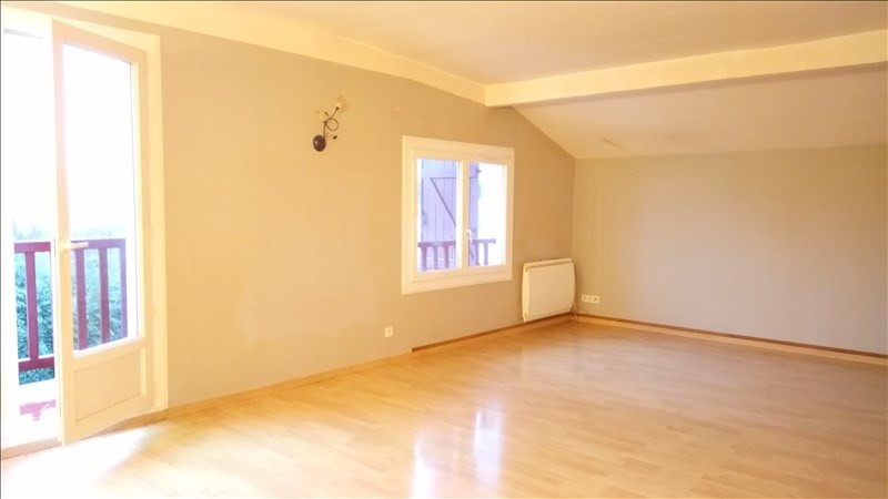 Rental apartment St pee sur nivelle 700€ CC - Picture 2