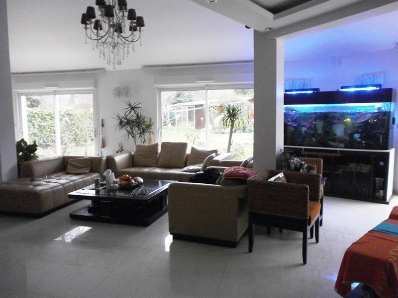Vente maison de luxe montigny le bretonneux maison de for Vente maison individuelle montigny le bretonneux