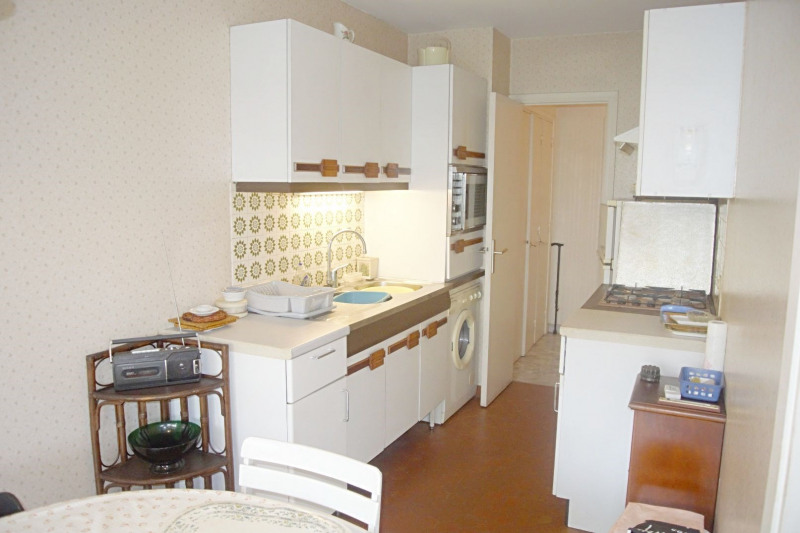 Sale apartment Juan-les-pins 244 000€ - Picture 2