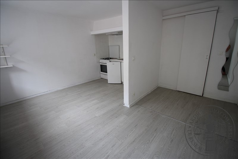 Rental apartment Dourdan 430€ CC - Picture 1