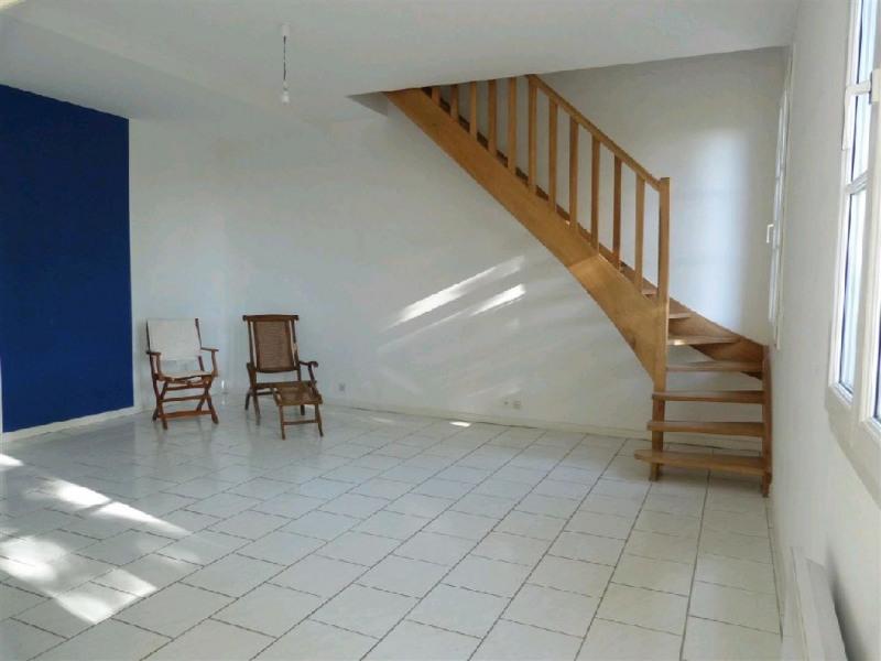 Rental apartment Chartrettes 897€ CC - Picture 1