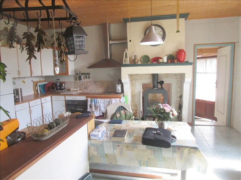 Sale house / villa Matha 105300€ - Picture 2
