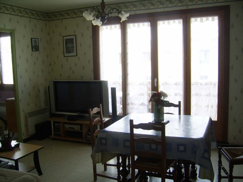 Sale apartment Nimes 91 000€ - Picture 4