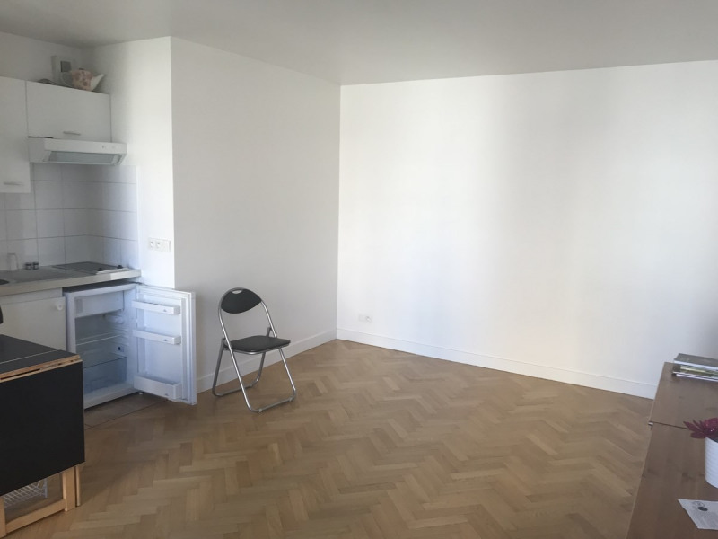 Location appartement Courbevoie 750€ CC - Photo 5