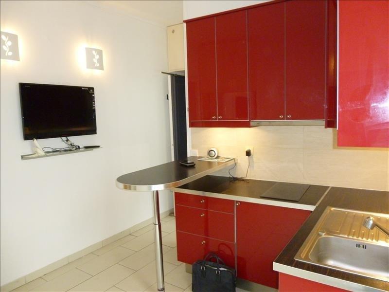 Sale apartment Paris 18ème 249000€ - Picture 1