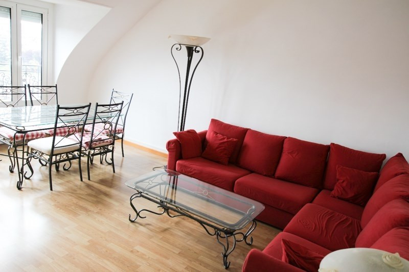 Location appartement Paris 17ème 2 050€ CC - Photo 2