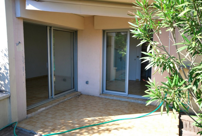 Location appartement Antibes 762€ CC - Photo 3