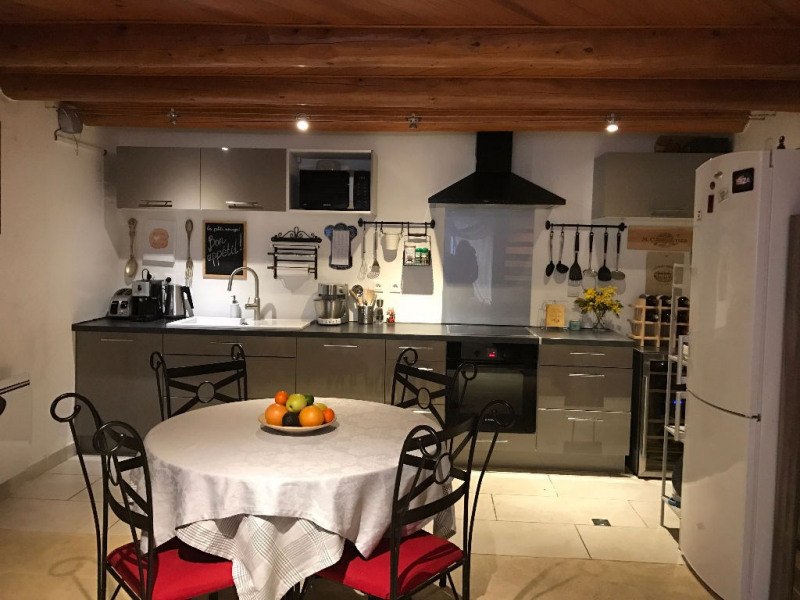 Sale house / villa Lambesc 289000€ - Picture 2