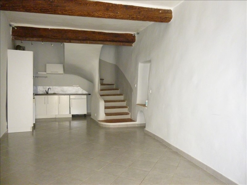 Location maison / villa Pierrevert 650€ CC - Photo 1