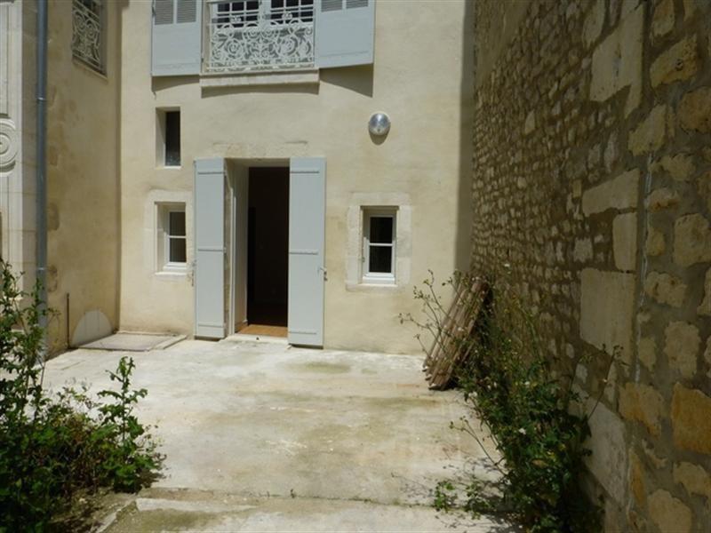 Rental apartment Saint-jean-d'angely 510€ CC - Picture 1
