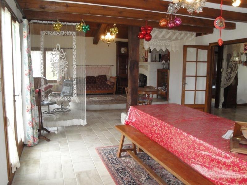 Sale house / villa Chef boutonne 210000€ - Picture 5