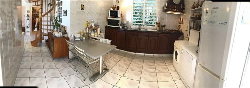 Sale house / villa La riviere 240000€ - Picture 4