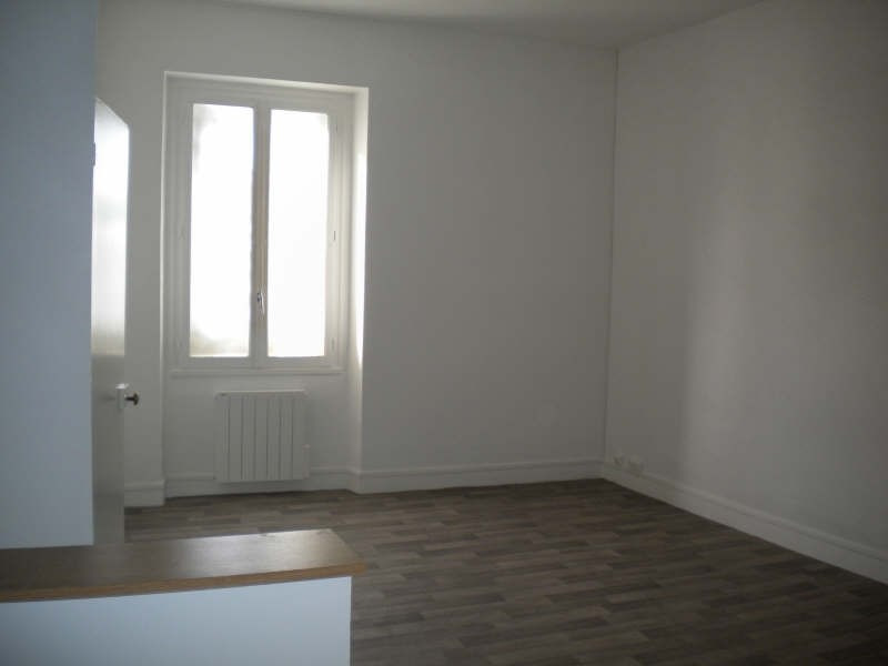 Location appartement Vendome 355€ CC - Photo 2