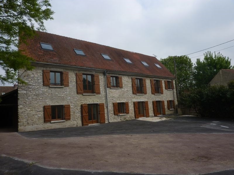Location appartement Iverny 870€ CC - Photo 1