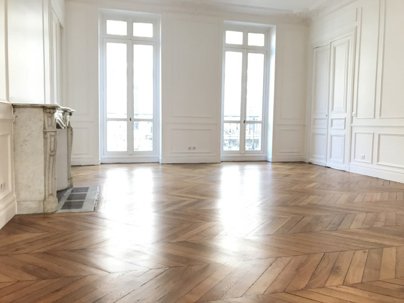 Rental apartment Paris 9ème 4799€ CC - Picture 2