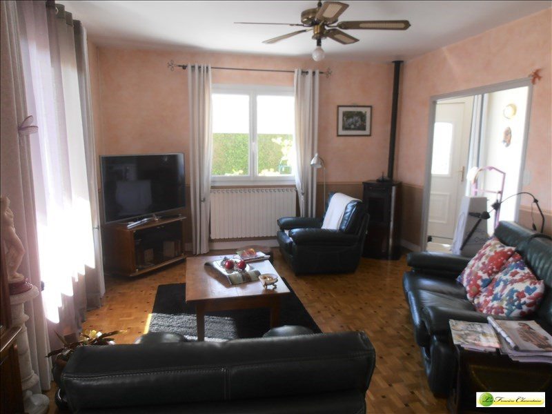 Sale house / villa Ruelle sur touvre 203000€ - Picture 9