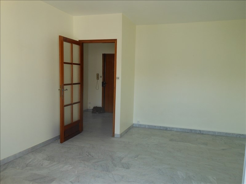 Location appartement Nimes 430€ CC - Photo 5