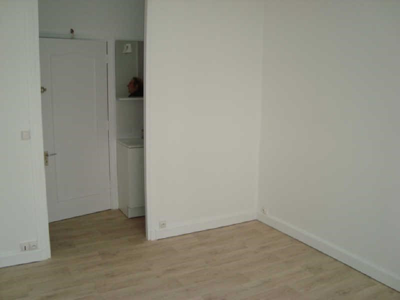 Rental apartment Versailles 442€ CC - Picture 1