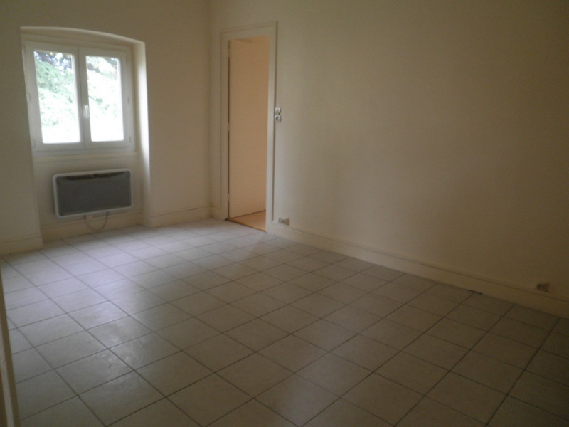 Location appartement Oullins 520€ CC - Photo 2