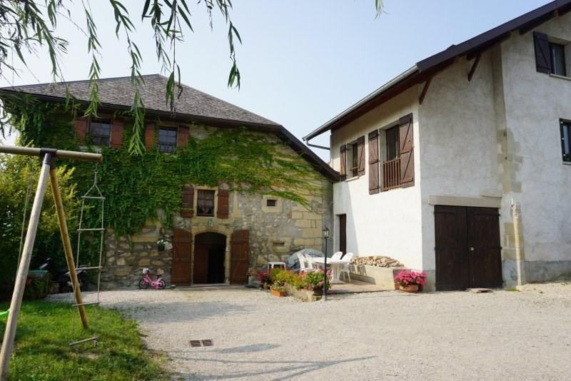 Propriété comprenant deux maisons de 240 m² et 150 m²