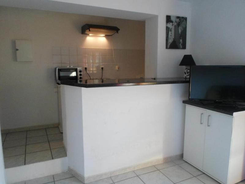 Location appartement Chateauneuf le rouge 790€ CC - Photo 2