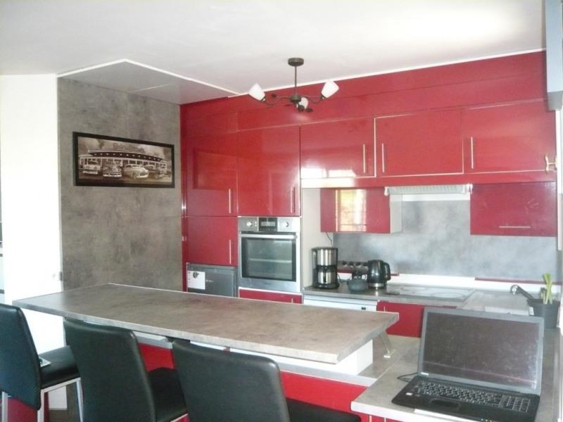 Sale house / villa Laval 252000€ - Picture 4
