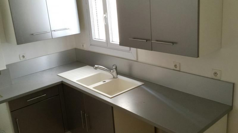Location appartement Marseille 8ème 890€ CC - Photo 2