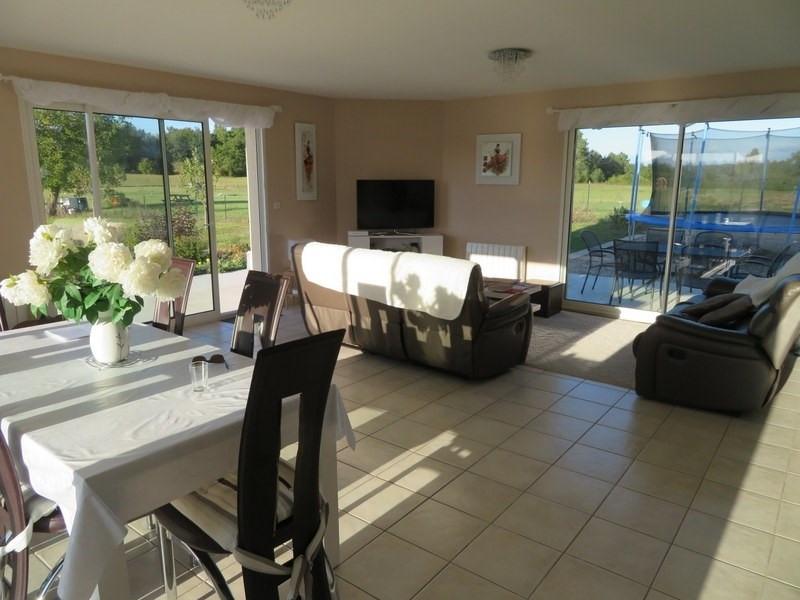 Sale house / villa Villefranche de lonchat 265000€ - Picture 4