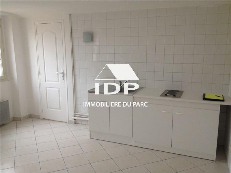 Location appartement Corbeil-essonnes 500€ CC - Photo 1