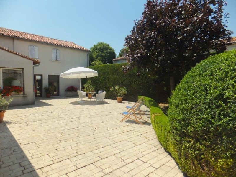 Sale house / villa Cognac 466 400€ - Picture 3