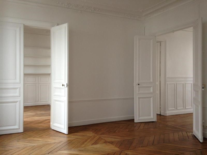 Location appartement Paris 4ème 3 300€ CC - Photo 2