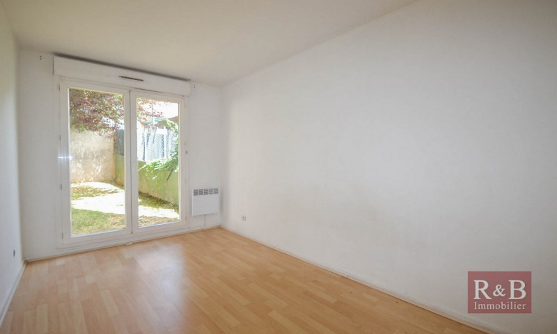 Sale apartment Plaisir 145 000€ - Picture 5