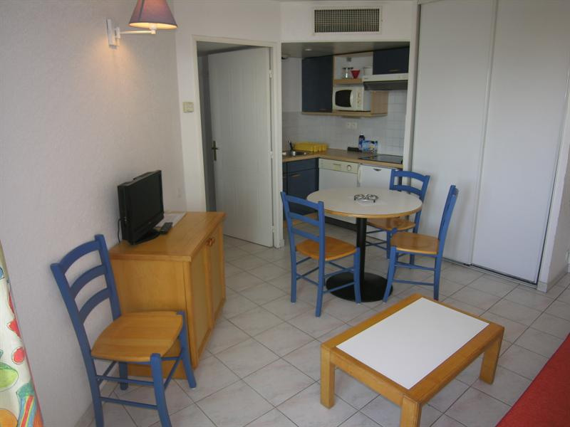 Vacation rental apartment Golfe juan 343€ - Picture 2