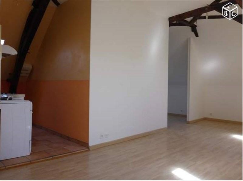 Rental apartment 24700 339€ CC - Picture 3