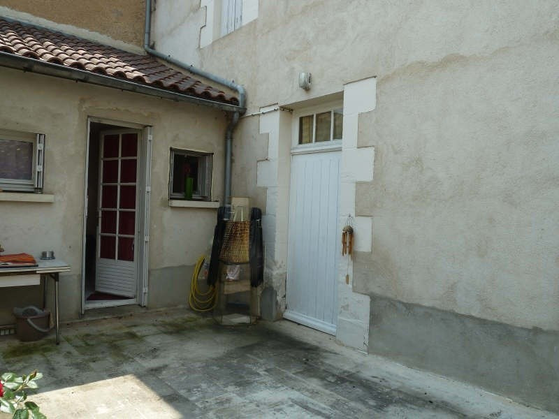 Location maison / villa Liguge 600€ +CH - Photo 1