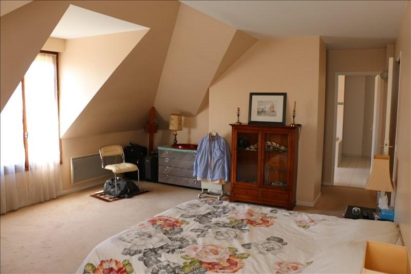 Sale house / villa St nom la breteche 819000€ - Picture 6