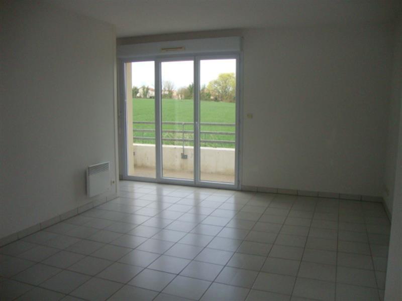 Vente appartement Saint-jean-d'angély 75000€ - Photo 2