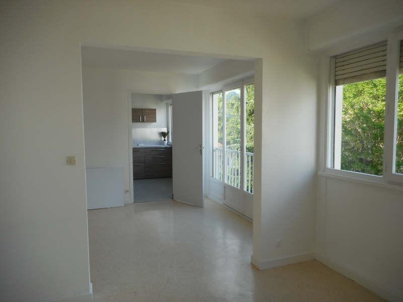Rental apartment Voiron 541€ CC - Picture 3