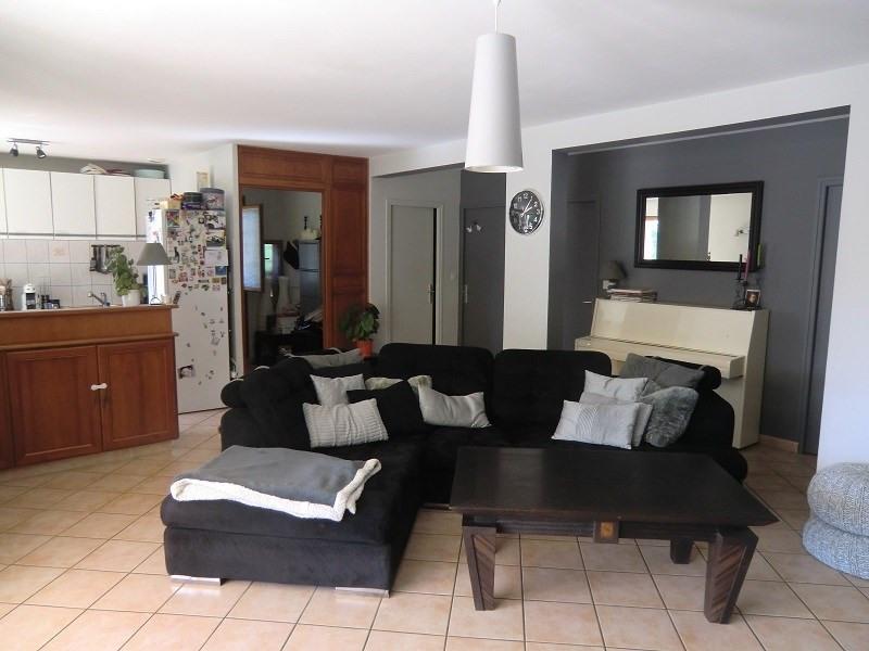 Location maison / villa Drumettaz clarafond 880€ CC - Photo 3