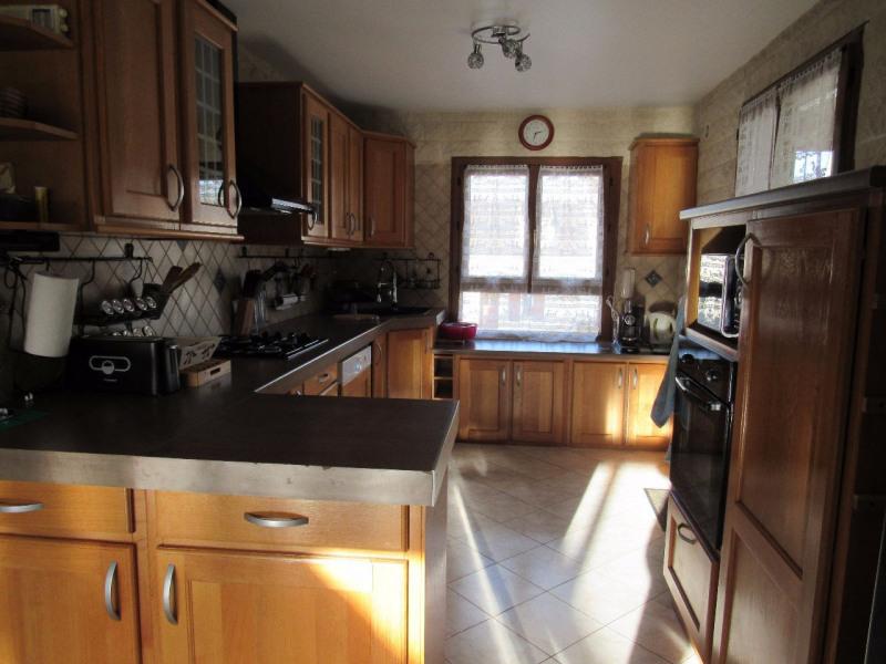 Sale house / villa Ferolles attilly 435000€ - Picture 5