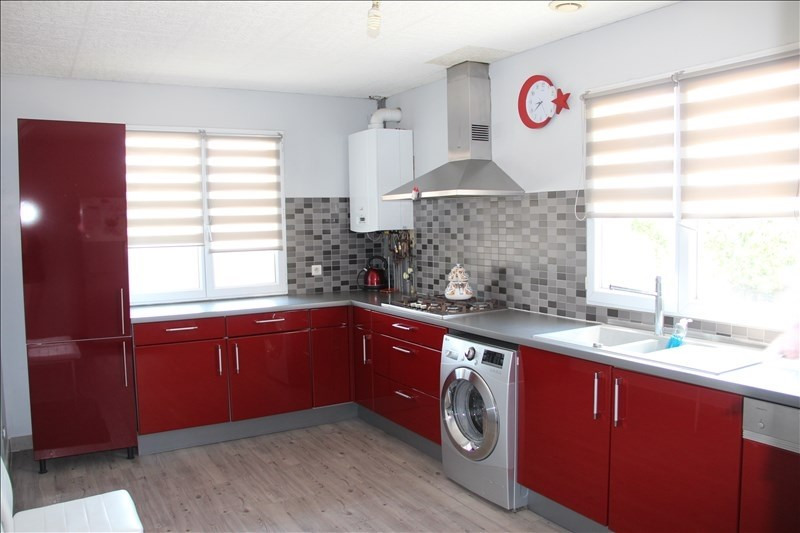 Sale house / villa Bourgoin jallieu 399000€ - Picture 2