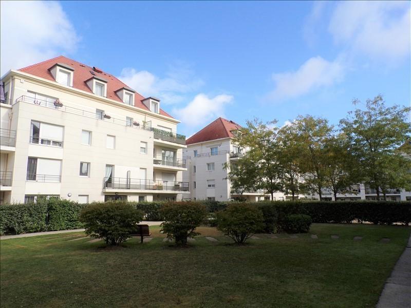Location appartement Montigny le bretonneux 815€ CC - Photo 1
