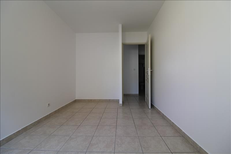 Location appartement Izeaux 650€ CC - Photo 4