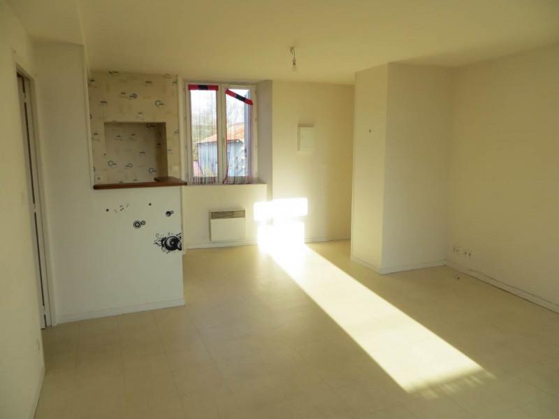 Rental apartment Saint-fort-sur-le-ne 360€ CC - Picture 6