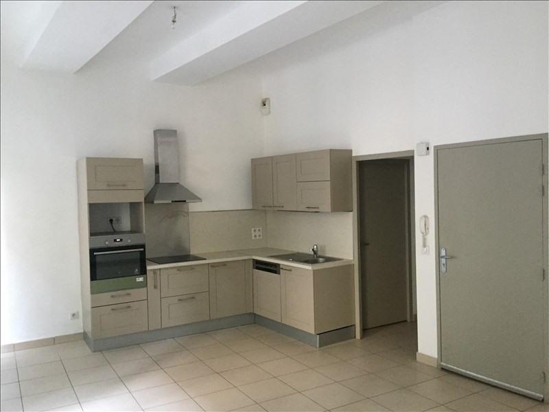 Rental apartment Marseille 1er 730€ CC - Picture 1