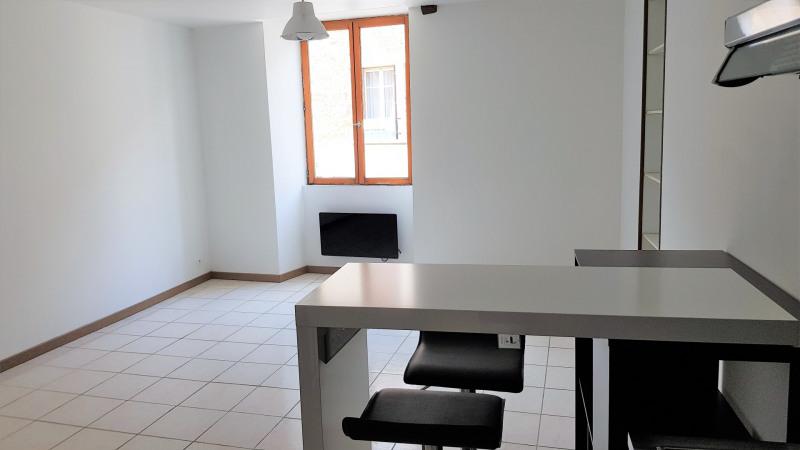 Location appartement Montlhery 490€ CC - Photo 2