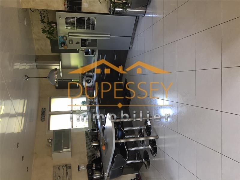 Sale house / villa Velanne 210000€ - Picture 4